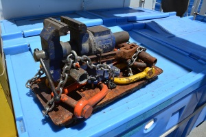 Vise and shackles
